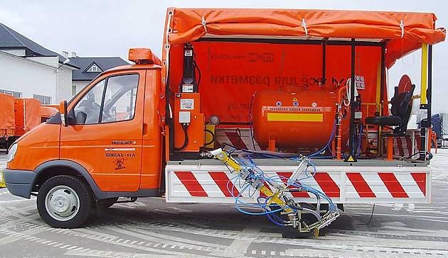 Машина дорожной разметки «Шмель-11А» на базе ГАЗ 3302